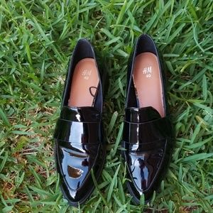 Size 9M H&M Black Loafers